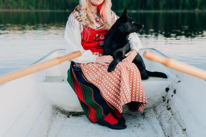 Märta & Ingvar, en midsommarnattsdröm –Fotograf Elsa Wiliow, Falun, Dalarna